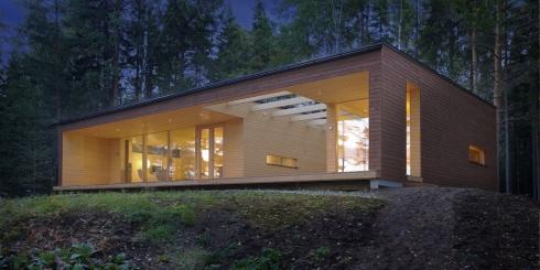 Plusvilla – modernes Skandinavisches Design von Polar Life Haus